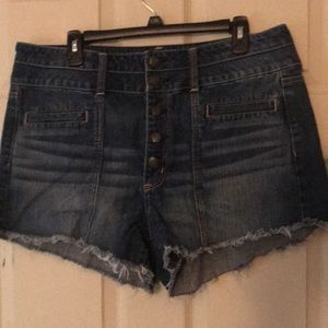 American Eagle shorts in size 16
